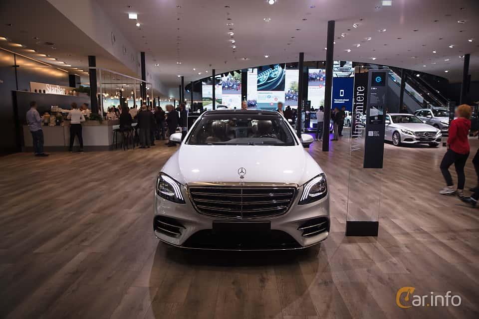 https://s.car.info/image_files/960/mercedes-benz-s-class-sedan-lwb-front-iaa-2017-3-454090.jpg
