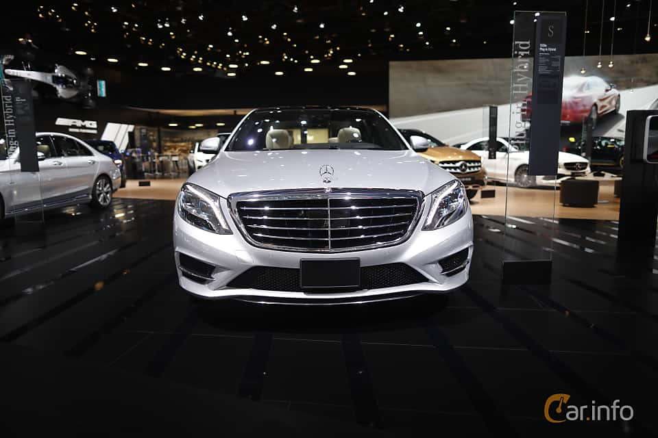 Front  of Mercedes-Benz S 500 e L 3.0 V6 7G-Tronic Plus, 442ps, 2017 at North American International Auto Show 2017