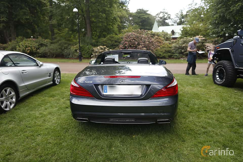 Back of Mercedes-Benz SL 500  7G-Tronic Plus, 435ps, 2013 at Sofiero Classic 2019