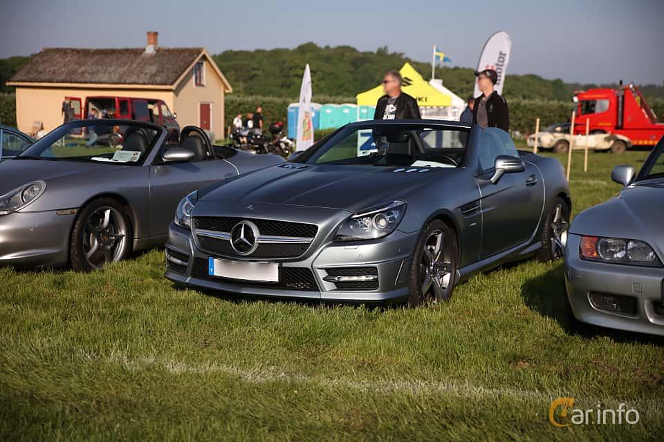 Fram/Sida av Mercedes-Benz SLK 350 BlueEFFICIENCY 3.5 V6 BlueEFFICIENCY 7G-Tronic Plus, 306ps, 2011
