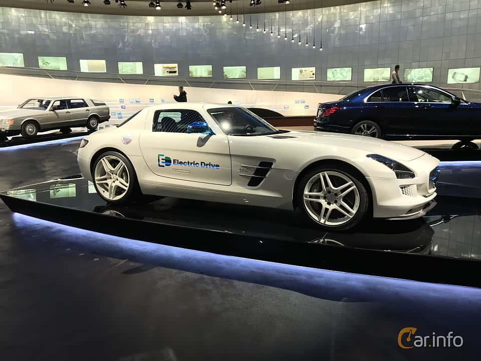 Fram/Sida av Mercedes-Benz SLS AMG Coupé Electric Drive  Single Speed, 751ps, 2012