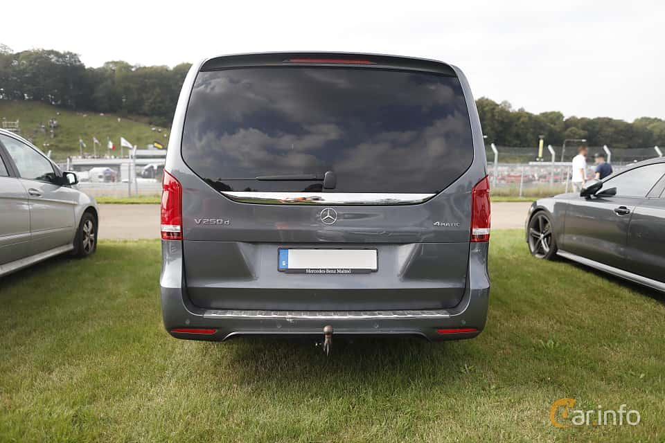 Back of Mercedes-Benz V 250 d 4MATIC  7G-Tronic Plus, 190ps, 2017 at Autoropa Racing day Knutstorp 2019
