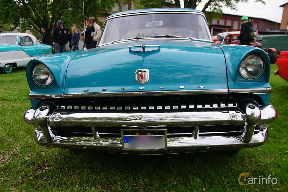 Fram av Mercury Monterey 2-door Hardtop 4.8 V8 Automatic, 188ps, 1955 på Onsdagsträffar på Gammlia Umeå 2019 vecka 23
