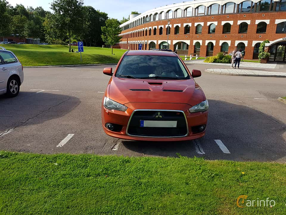 Front  of Mitsubishi Lancer Sportback Ralliart 2.0 Turbo 4WD DCT, 241ps, 2010