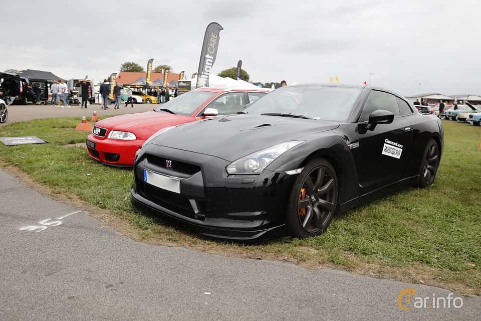 Front/Side of Nissan GT-R 3.8 V6 4x4 DCT, 485ps, 2010 at Vallåkraträffen 2018