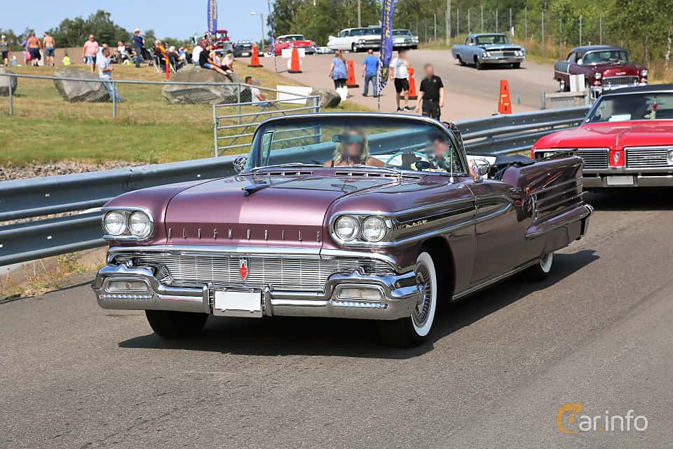 Front/Side  of Oldsmobile Ninety-Eight Convertible Coupé 6.1 V8 Hydra-Matic, 309ps, 1958 at Wheels & Wings 2019