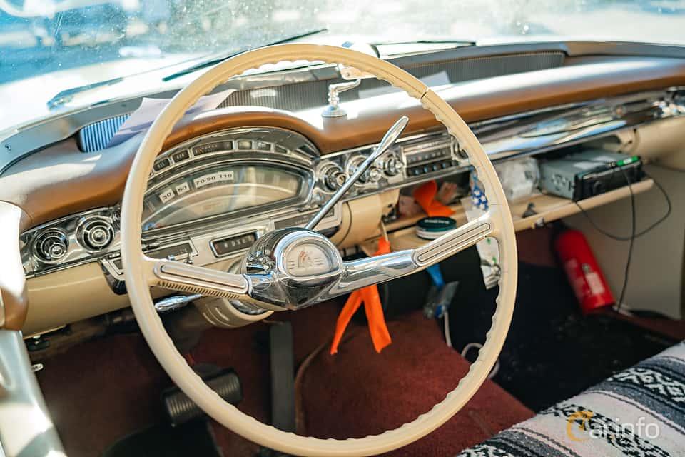 """Interior of Oldsmobile Dynamic 88 Holiday Sedan 6.1 V8 Hydra-Matic, 269ps, 1958 at Nyköpings hamnträffar 2019 Vecka 20  Tema: """"Kvinnor vid ratten"""""""