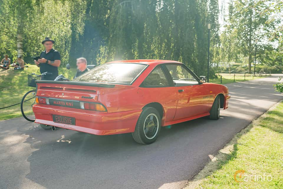 Back/Side of Opel Manta Hatchback 2.0 E Manual, 110ps, 1987 at Ronneby Nostalgia Festival 2019