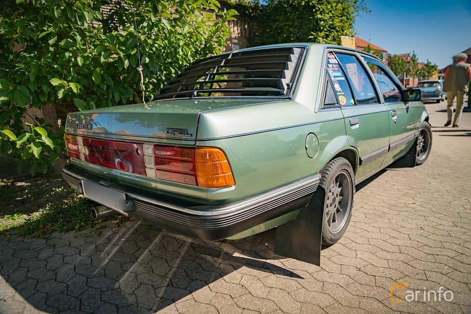 3 images of opel rekord 2 0 e manual 110hp 1983 by marcusliedholm rh car info 2000 Opel Rekord 1961 Opel Rekord