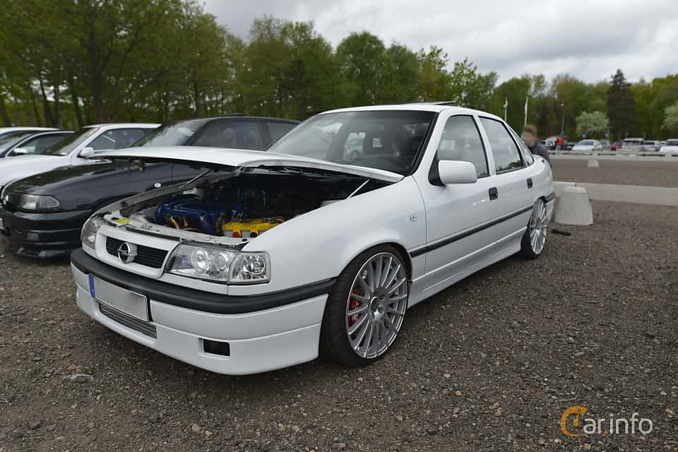 images of a opel vectra sedan 2 0 turbo 4x4 manual 204hp. Black Bedroom Furniture Sets. Home Design Ideas