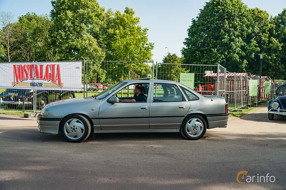 Side  of Opel Vectra Sedan 2.0 Turbo 4x4 Manual, 204ps, 1994 at Ronneby Nostalgia Festival 2019