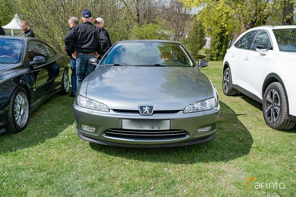 Front  of Peugeot 406 Coupé 3.0 V6 Manual, 207ps, 2001 at Fest För Franska Fordon  på Taxinge slott 2019