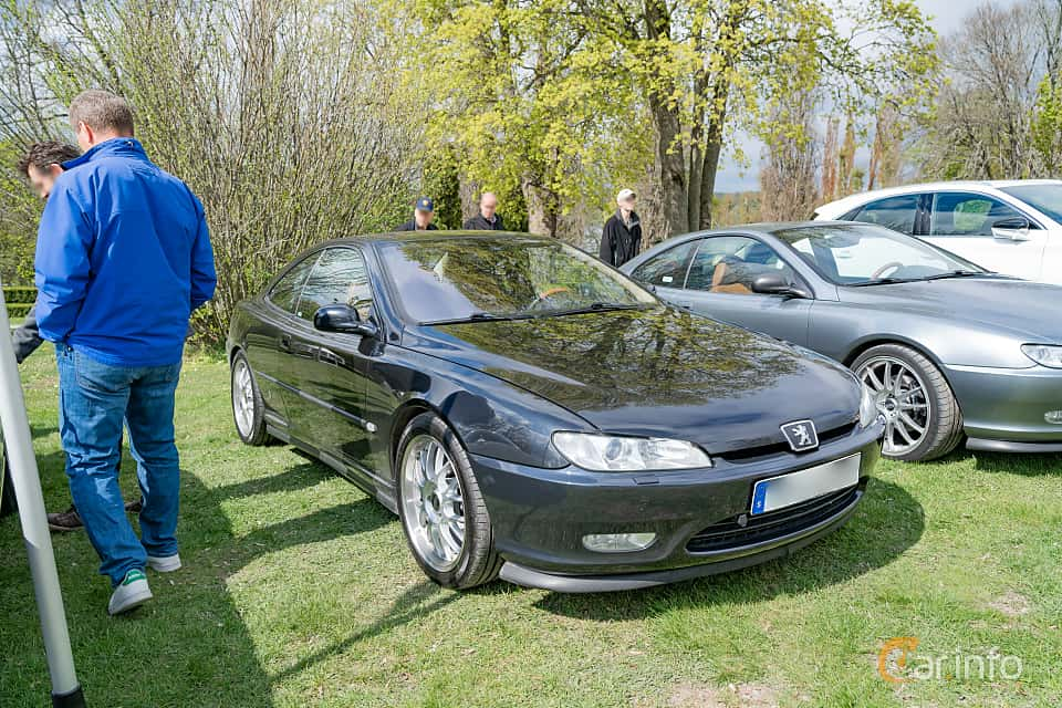 Front/Side  of Peugeot 406 Coupé 3.0 V6 Manual, 207ps, 2002 at Fest För Franska Fordon  på Taxinge slott 2019
