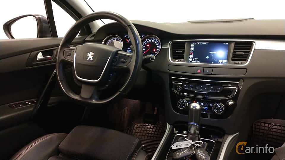 Interiör av Peugeot 508 2.2 HDi FAP EAT, 204ps, 2015