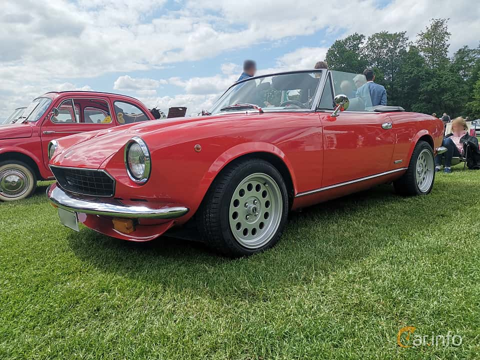 Front/Side  of Pininfarina Azzurra Spider 2.0 Manual, 103ps, 1986 at Sofiero Classic 2019