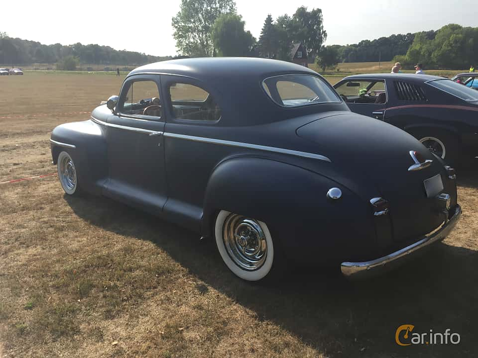 Bak/Sida av Plymouth Deluxe Coupé 3.6 Manual, 95ps, 1948 på Eddys bilträff Billesholm Augusti 2018
