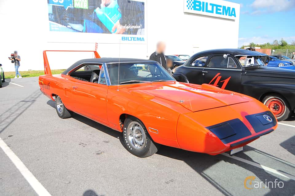 Front/Side  of Plymouth Road Runner Superbird 7.2 V8 TorqueFlite, 375ps, 1970 at Biltema Gatbilar Lund 2018