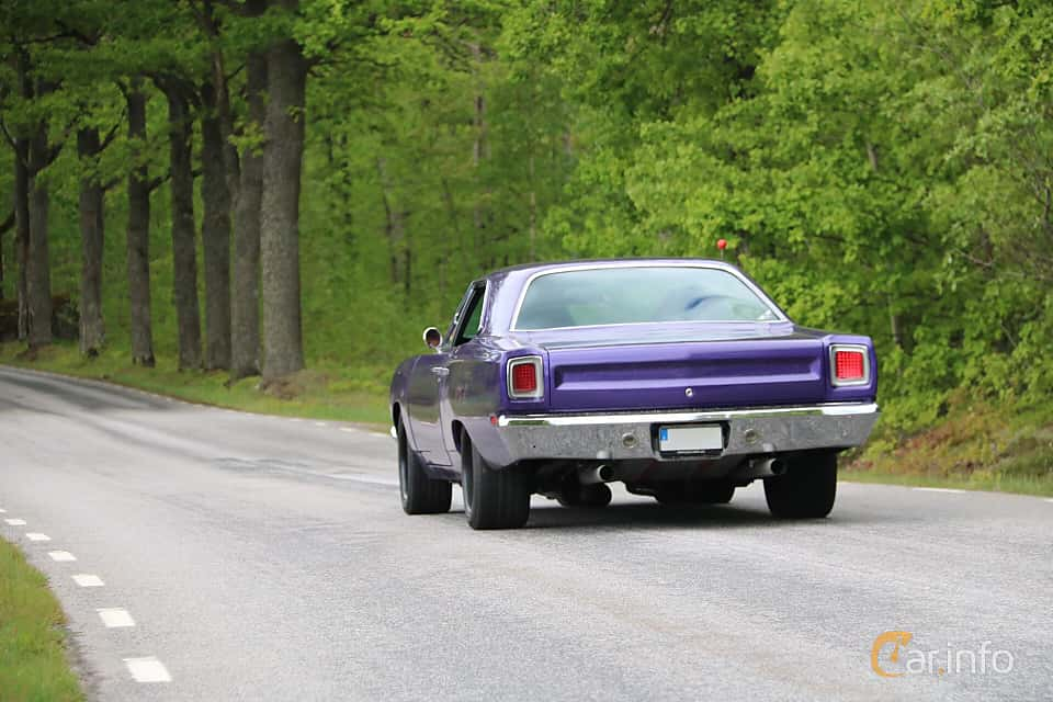 Back of Plymouth Satellite Hardtop 5.2 V8 TorqueFlite, 233ps, 1969