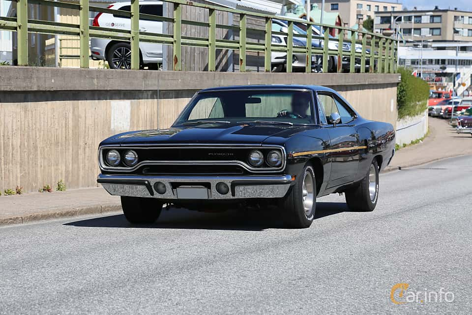 Front/Side  of Plymouth Satellite Hardtop 5.2 V8 TorqueFlite, 233ps, 1970 at Cruising Lysekil 2019