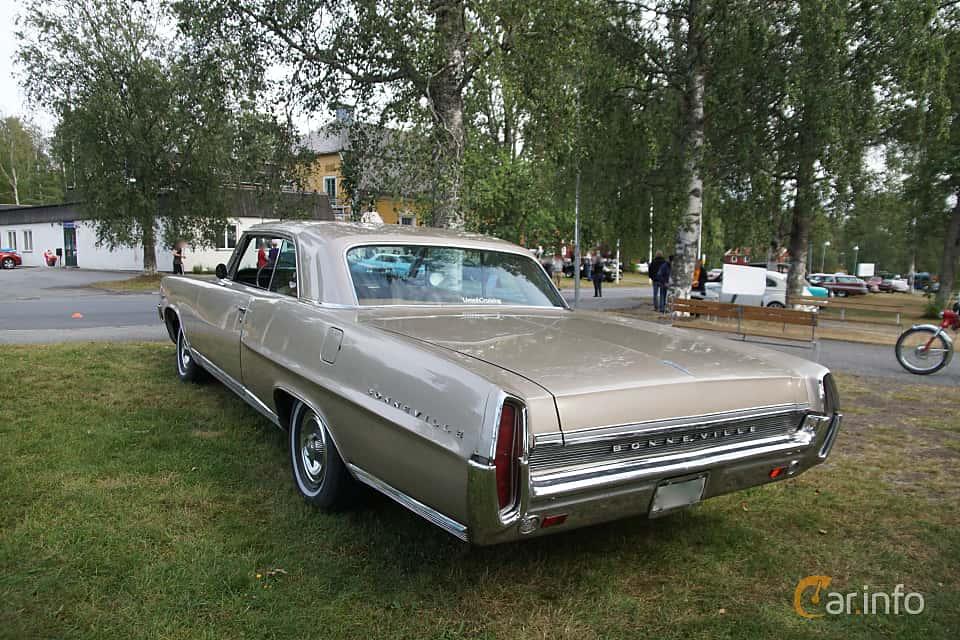 Back/Side of Pontiac Bonneville 2-door Hardtop 6.9 V8 Hydra-Matic, 324ps, 1964 at Onsdagsträffar på Gammlia Umeå 2019 vecka 32