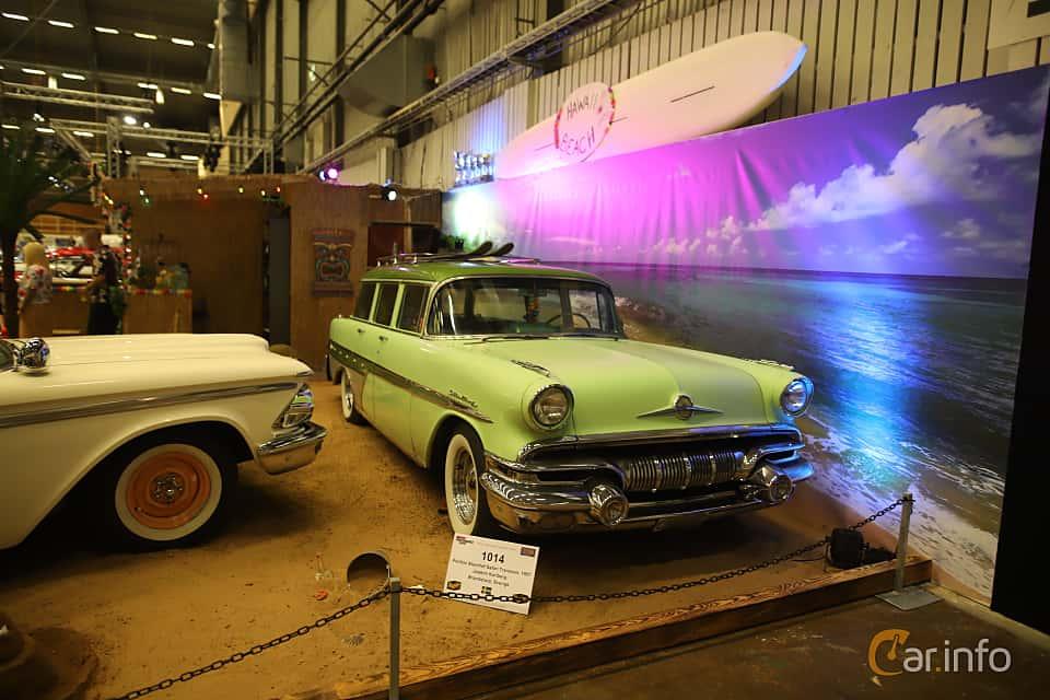 Sida av Pontiac Chieftain 4-door Safari 5.7 V8 Hydra-Matic, 256ps, 1957 på Bilsport Performance & Custom Motor Show 2019