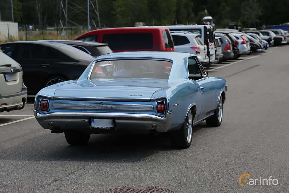 Back/Side of Pontiac LeMans 2-door Hardtop 6.9 V8 Hydra-Matic, 343ps, 1966 at A-bombers - Old Style Weekend Backamo 2019