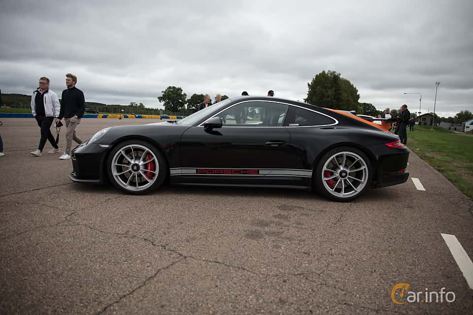 Side  of Porsche 911 GT3 4.0 H6 Manual, 500ps, 2018 at Autoropa Racing day Knutstorp 2018