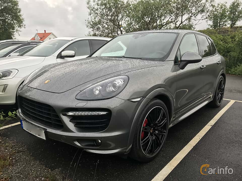Front/Side of Porsche Cayenne GTS 4.8 V8 4 TipTronic S, 420ps, 2014