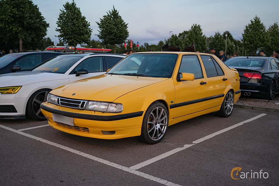 Fram/Sida av Saab 9000 CS 2.0 Turbo Manual, 150ps, 1996 på Halmstad By Night 2018
