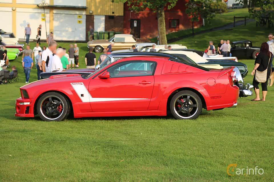 Side  of Ford Mustang GT 4.6 V8 304ps, 2005 at Bil & MC-träffar i Huskvarna Folkets Park 2019 Amerikanska fordon