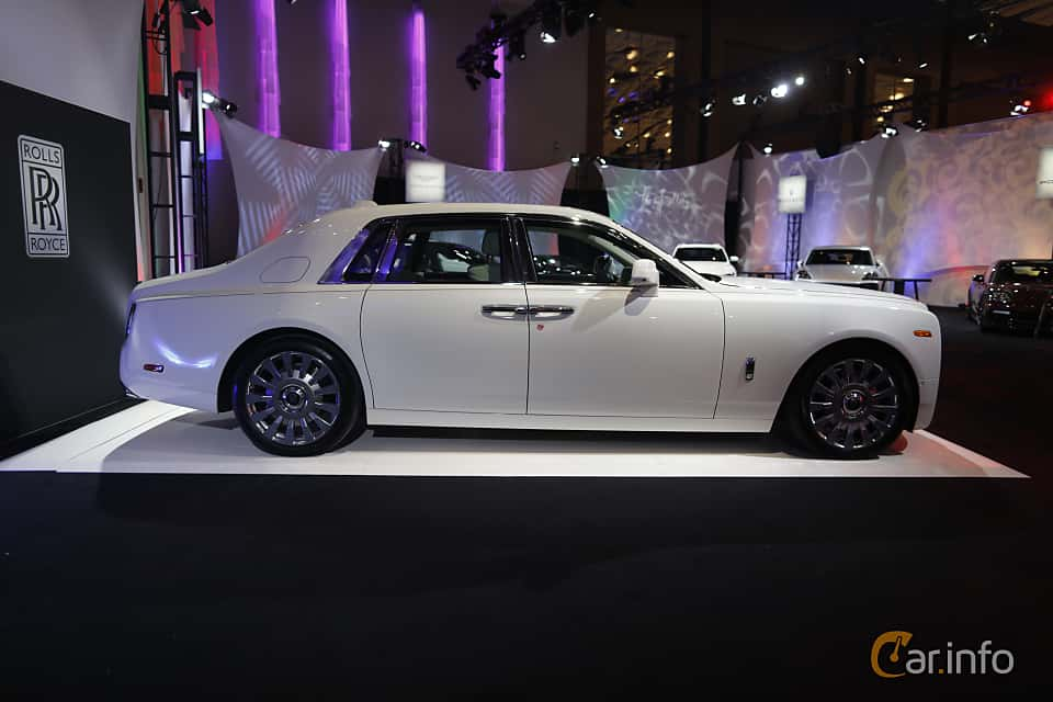 Sida av Rolls-Royce Phantom 6.7 V12 Automatic, 571ps, 2018 på North American International Auto Show 2018