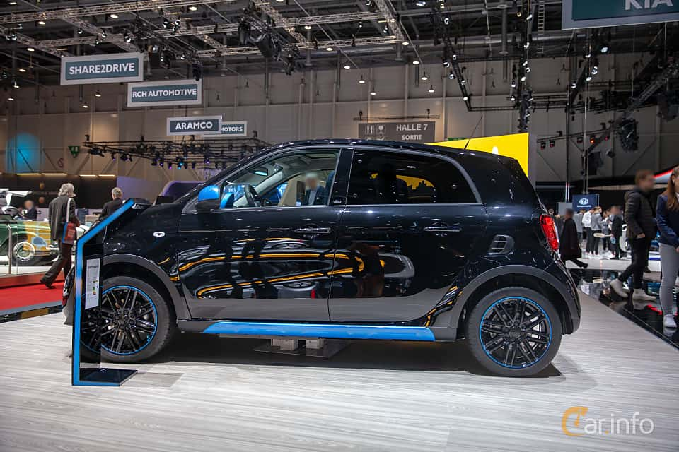 Side  of Smart forfour electric drive 17.6 kWh Single Speed, 82ps, 2019 at Geneva Motor Show 2019