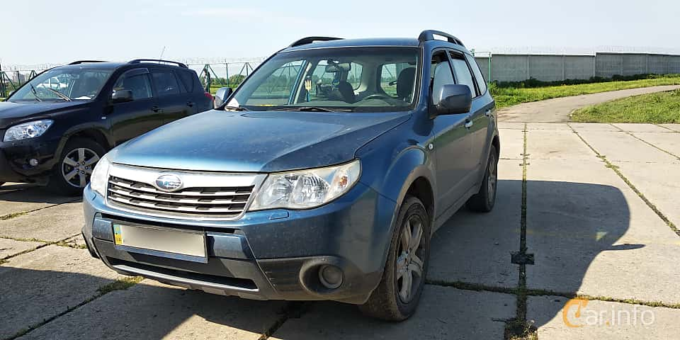 Front/Side  of Subaru Forester 2008 at Old Car Land no.1 2019