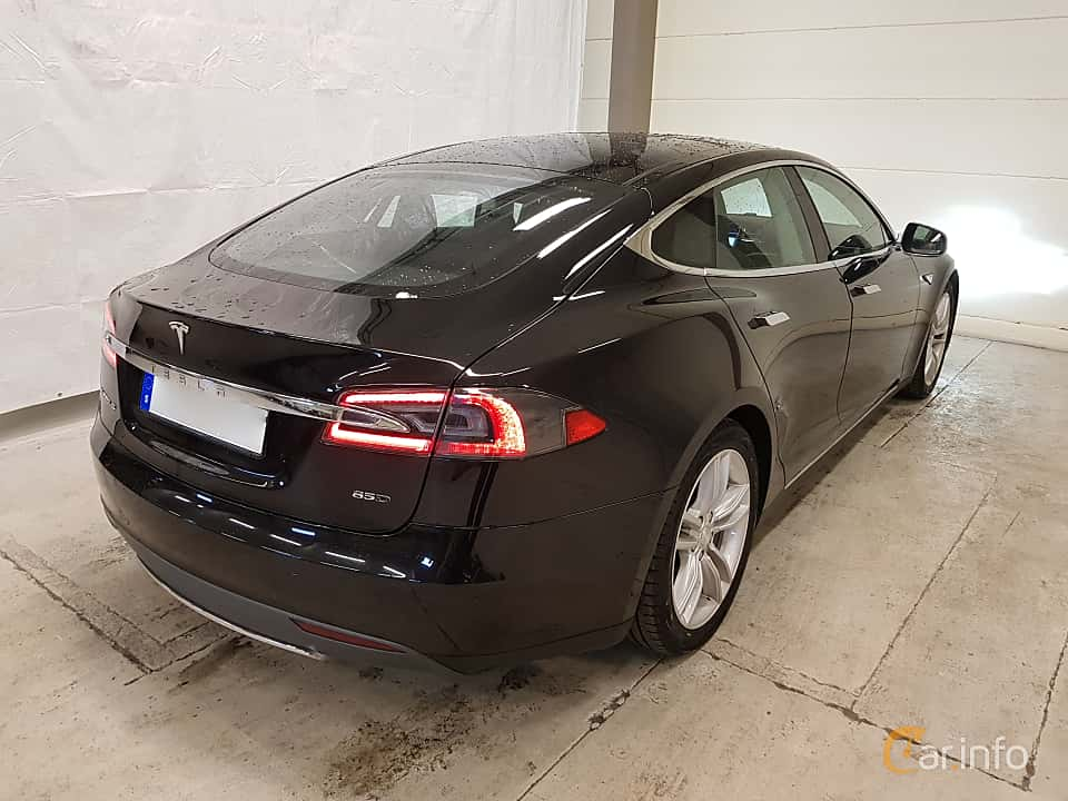Back/Side of Tesla Model S 85D 85 kWh AWD Single Speed, 423ps, 2015