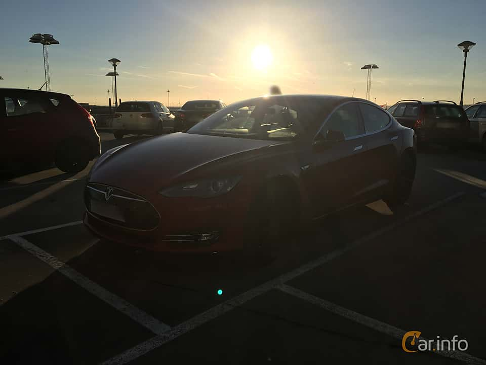 Front/Side of Tesla Model S 85D 85 kWh AWD Single Speed, 423ps, 2015