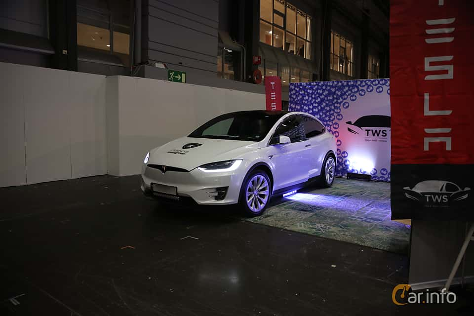 Front/Side  of Tesla Model X 90D 90 kWh AWD Single Speed, 423ps, 2016 at eCar Expo Göteborg 2018