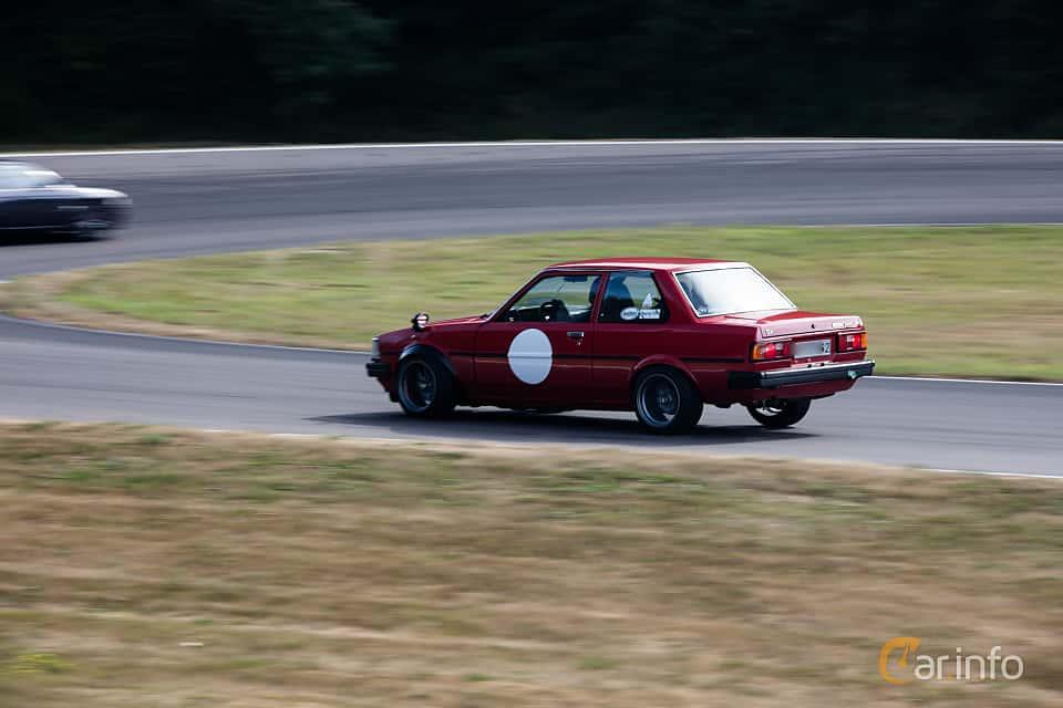 Bak/Sida av Toyota Corolla 2-door Sedan 1.3 Manual, 60ps, 1982 på JapTuning Trackday 2018 Knutstorp