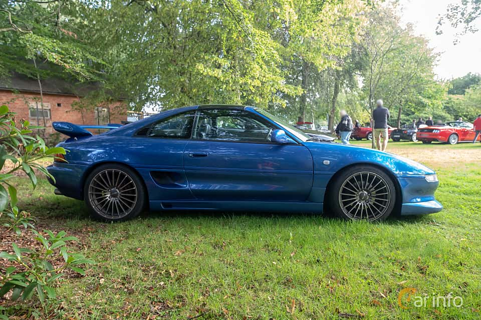 Side  of Toyota MR2 2.0 Manual, 154ps, 1997 at Billesholms Veteranbilsträff 2019 augusti