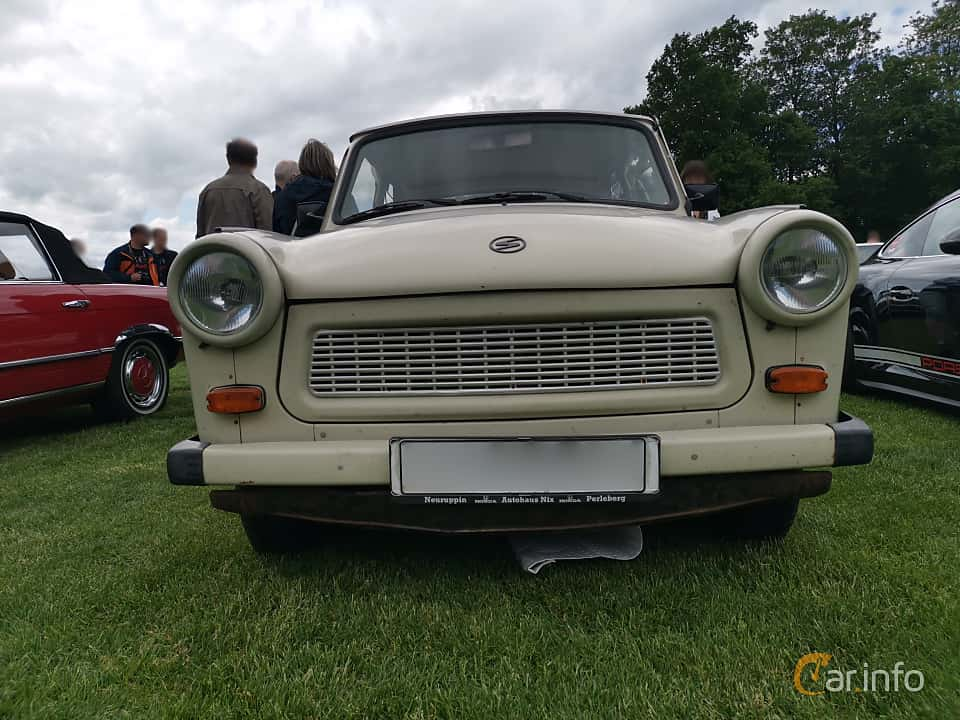Engine compartment  of Trabant 601 Limousine 0.6 Manual, 26ps, 1987 at Sofiero Classic 2019