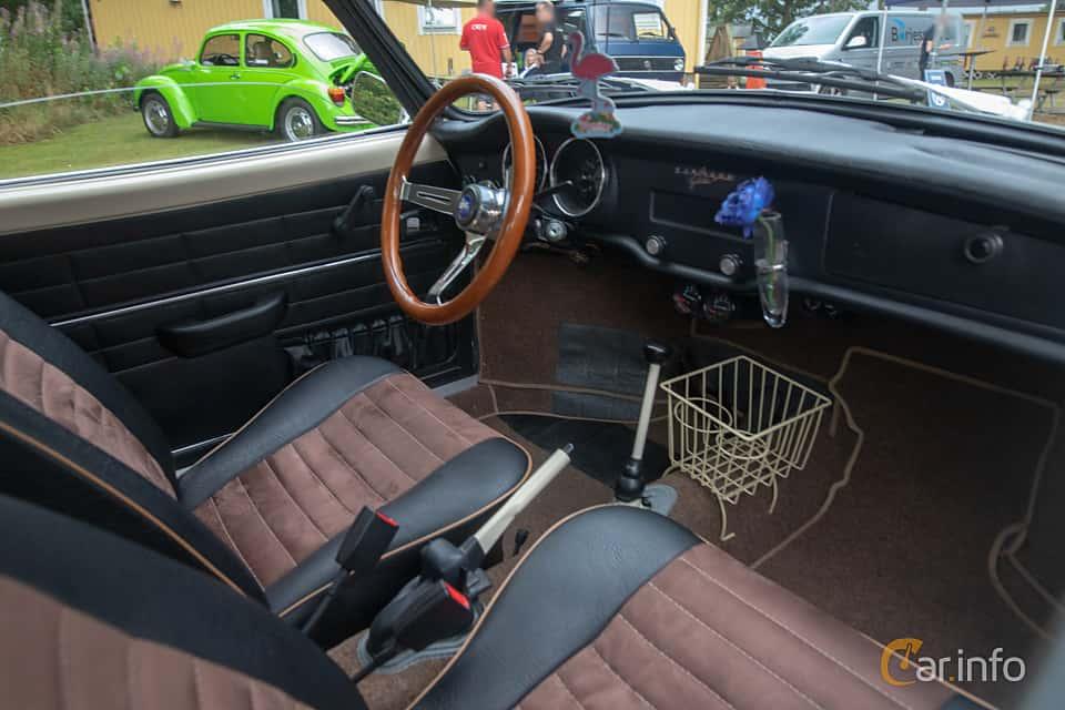 Interior of Volkswagen Karmann-Ghia 1600 1.6 Manual, 50ps, 1972 at West Coast Bug Meet 2019