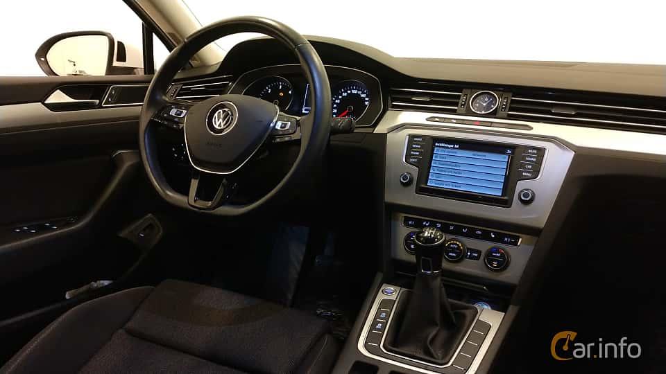 Interior of Volkswagen Passat Variant 2.0 TDI BlueMotion 4Motion Manual, 150ps, 2016