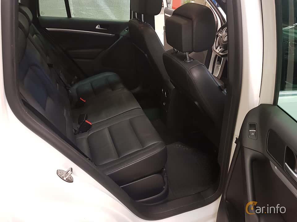 Interior of Volkswagen Tiguan 2.0 TDI 4Motion DSG Sequential, 184ps, 2016