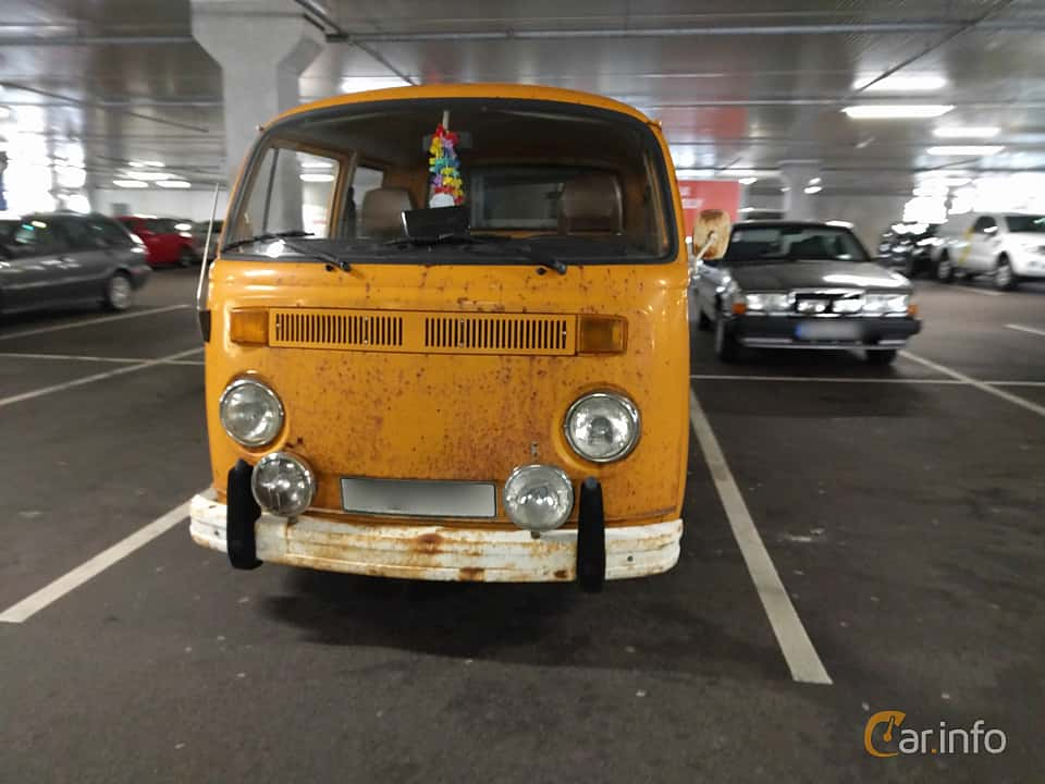 Front  of Volkswagen Transporter 2000 Double Cab 2.0 Manual, 71ps, 1978
