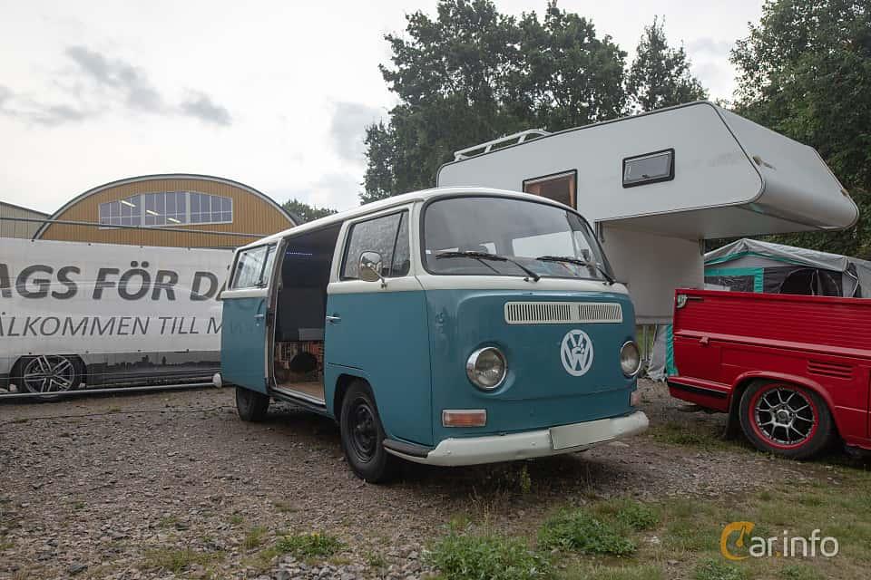 Front/Side  of Volkswagen Transporter 1600 Minibus 1.6 Manual, 48ps, 1970 at West Coast Bug Meet 2019