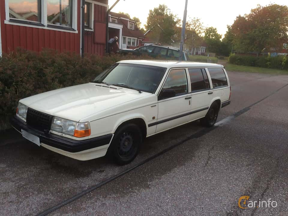 Front/Side  of Volvo 745 2.3 Manual, 162ps, 1990