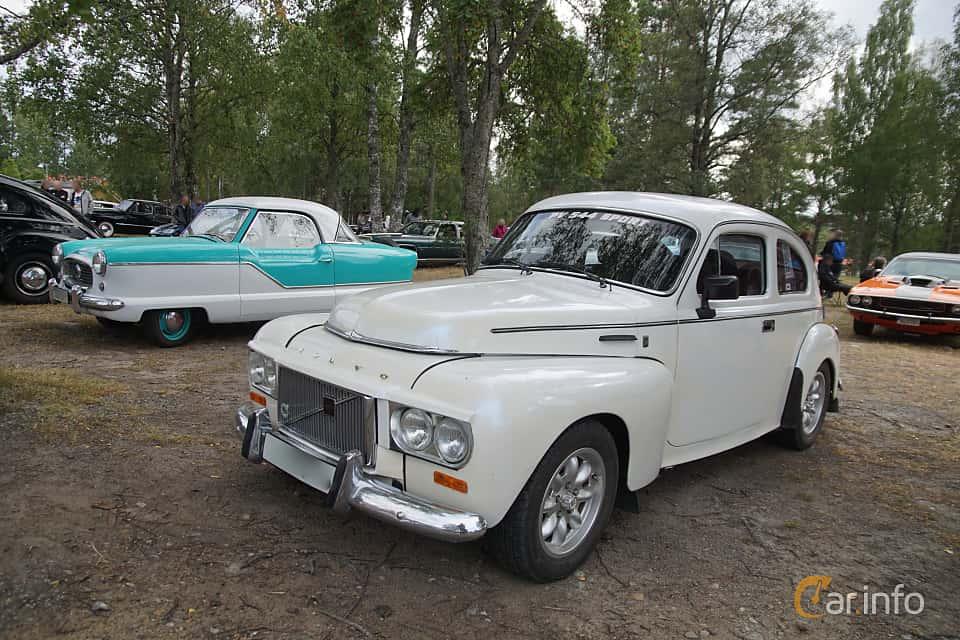 Front/Side  of Volvo PV544E Sport 1.8 Manual, 90ps, 1964 at Onsdagsträffar på Gammlia Umeå 2019 vecka 32