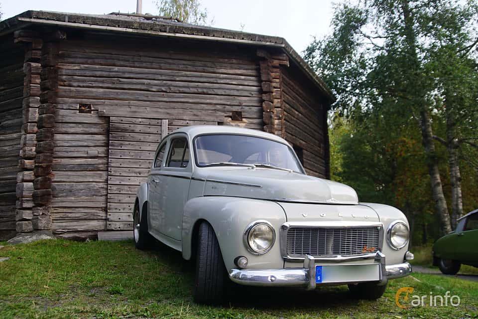 Front/Side  of Volvo PV544C 1.8 Manual, 75ps, 1962 at Onsdagsträffar på Gammlia Umeå 2019 vecka 35