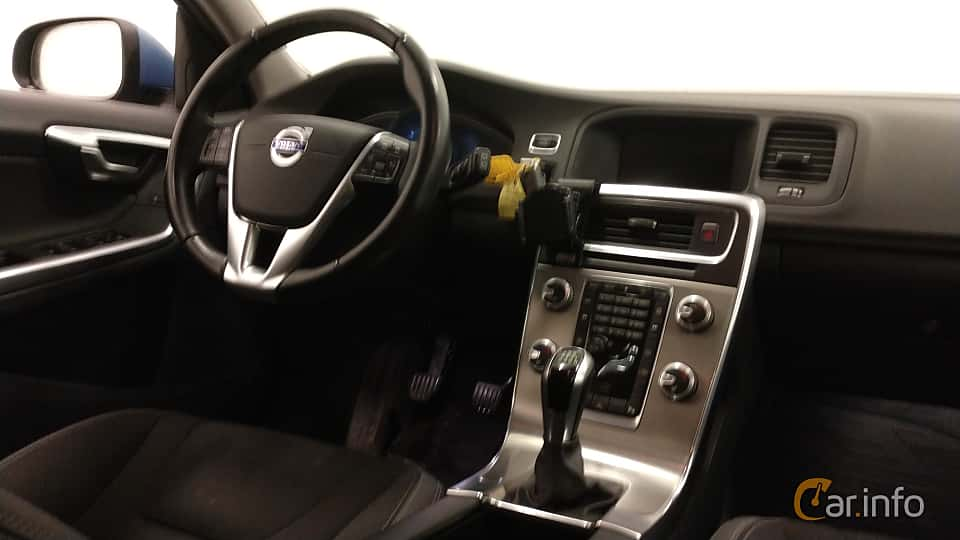 Interior of Volvo V60 D4 Manual, 181ps, 2015