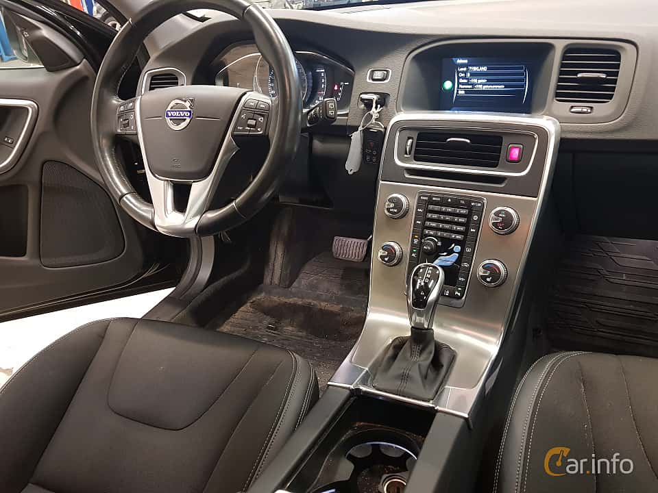 Interior of Volvo V60 D3 Geartronic, 150ps, 2017