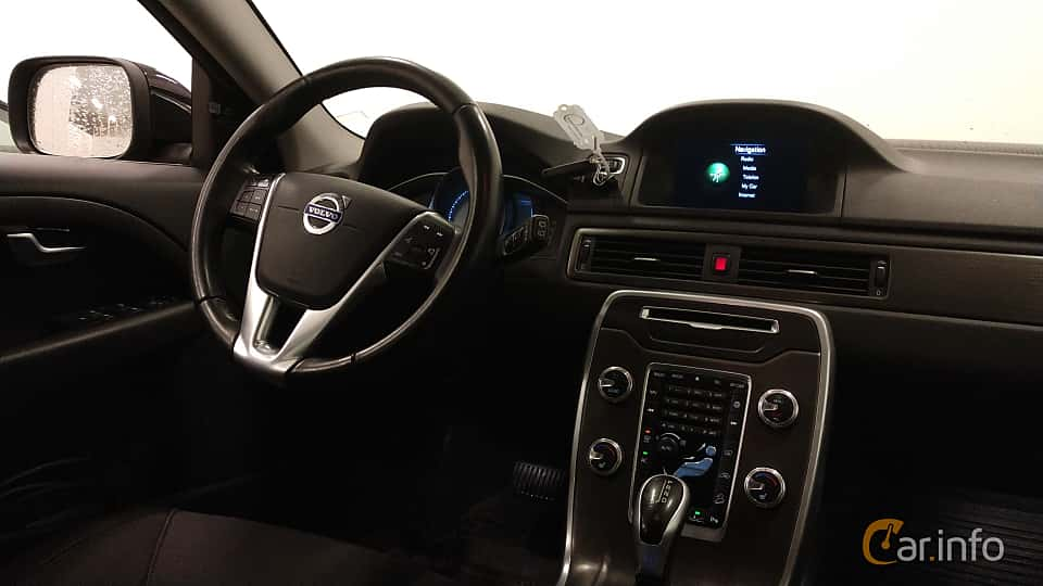 Interior of Volvo XC70 D4 AWD Geartronic, 181ps, 2015